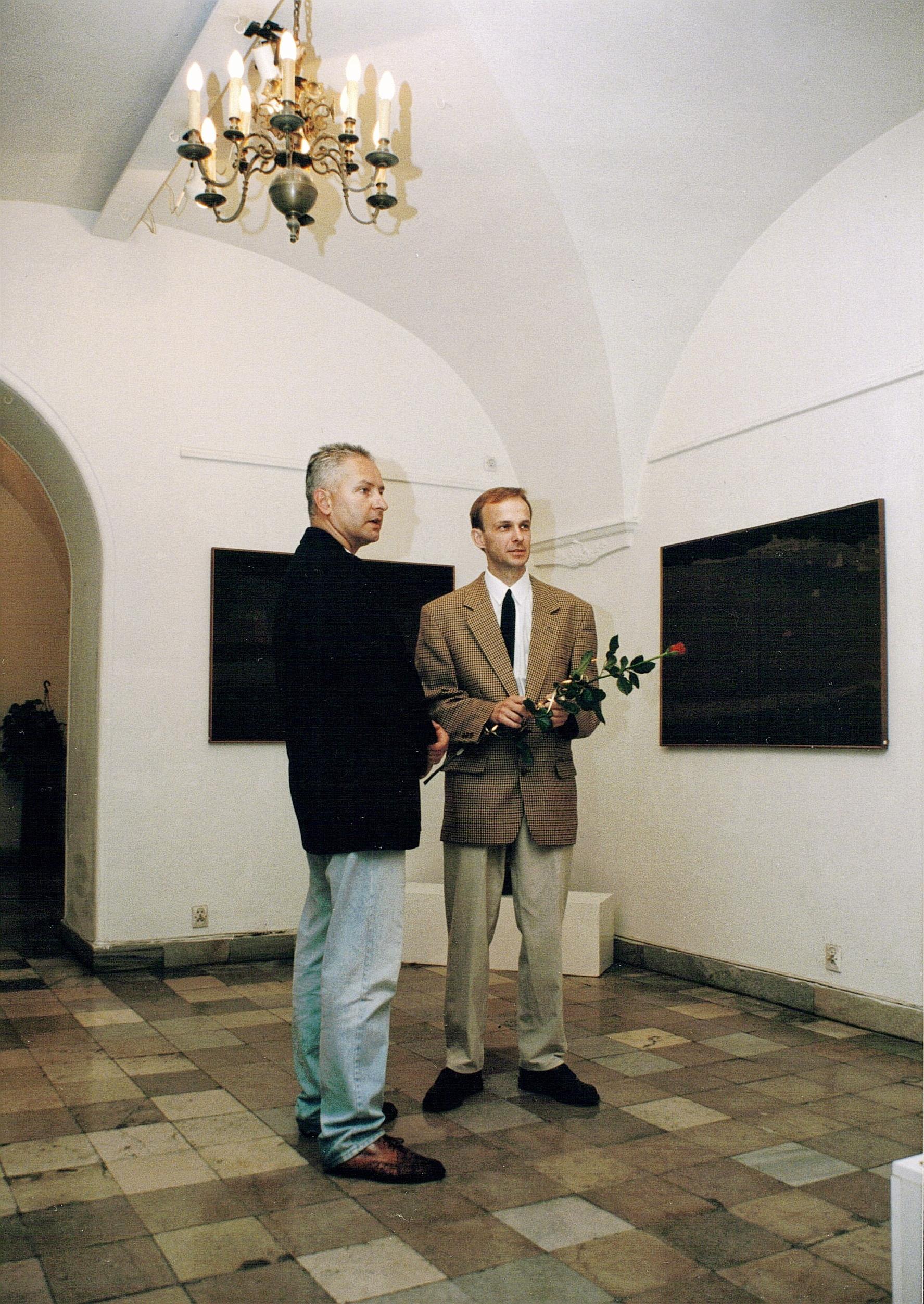 Indywidualna wystawa w Galerii Zapiecek - z Jarosławem Daszkiewiczem, Warszawa 1996