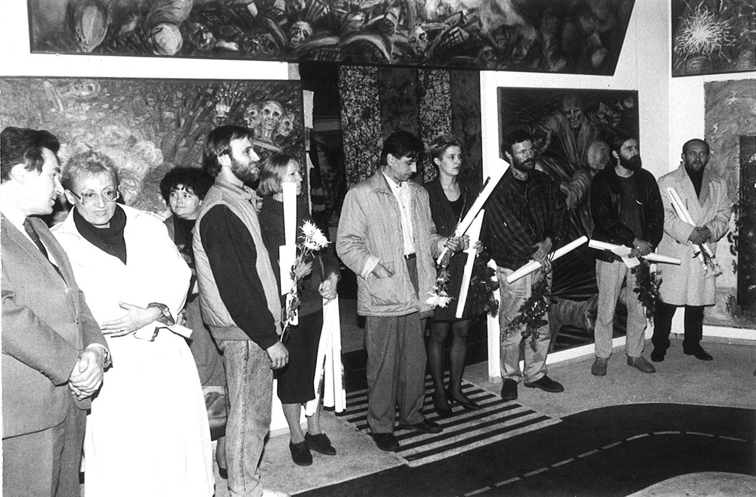 Wystawa - Krytycy o Nas, zdjęcie z wernisażu (nagrodzeni artyści), Sopot BWA 1989